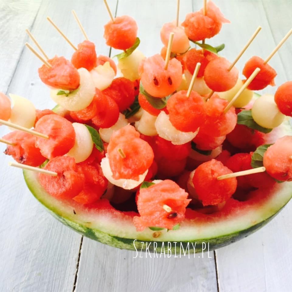 Szaszłyki owocowe na upały czyli jak skutecznie i zdrowo się ochłodzić.