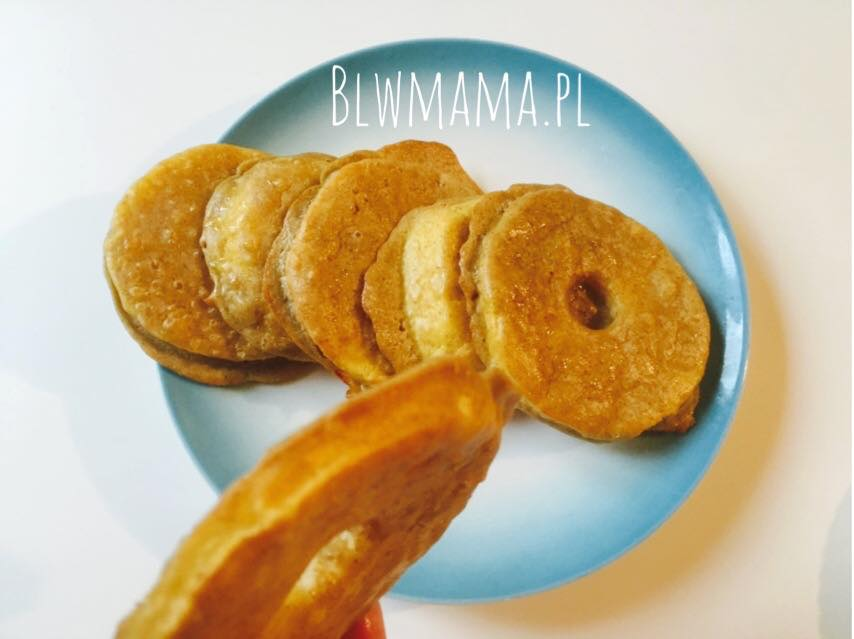 Apple slices pancakes. Easy, warm breakfast. Gluten-free BLW.