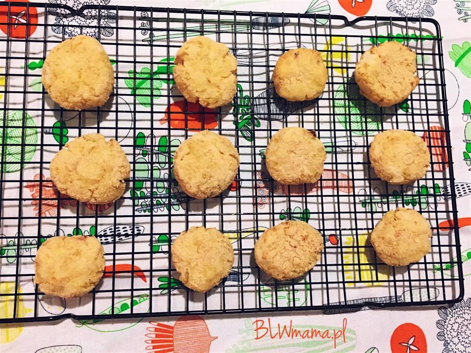 Kotleciki z ugotowanych ziemniaków i kapusty kiszonej. BLW