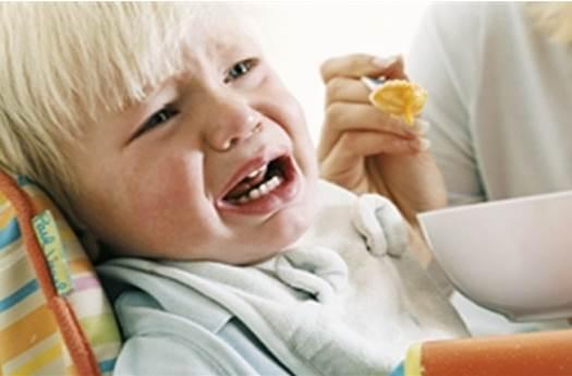 Zmuszasz dziecko do jedzenia? Rujnujesz mu zdrowie.